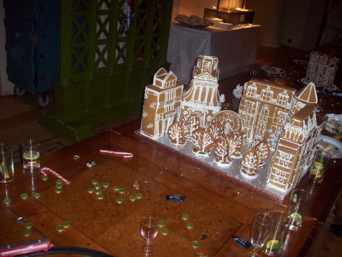 A gingerbread Caius