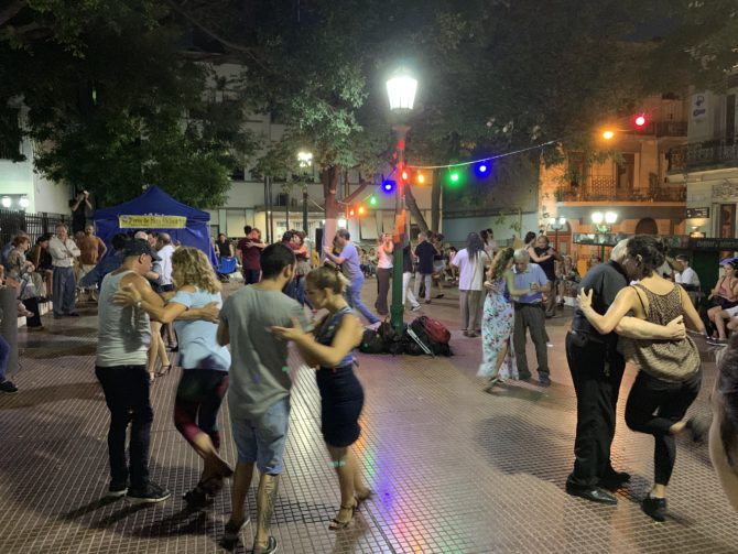 Not the tango show we saw but the famous Sunday evening dancing at Plaza Dorrego in the San Telmo neighbourhood